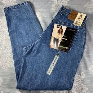 Lee high waisted medium wash MOM jeans